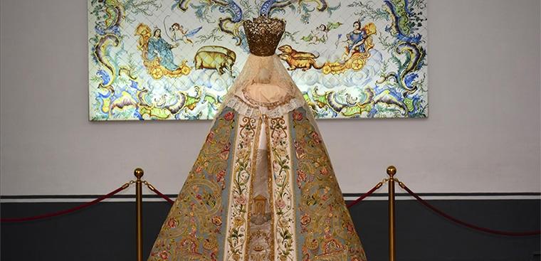 """El Museo de la Seda de Valencia presenta la exposición """"Vestimentum Laetitiae""""."""