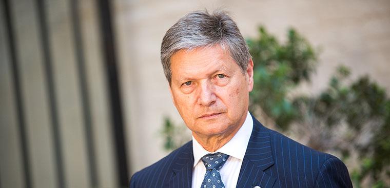 Entrevista a Vicente Genovés, presidente del Colegio del Arte Mayor de la Seda